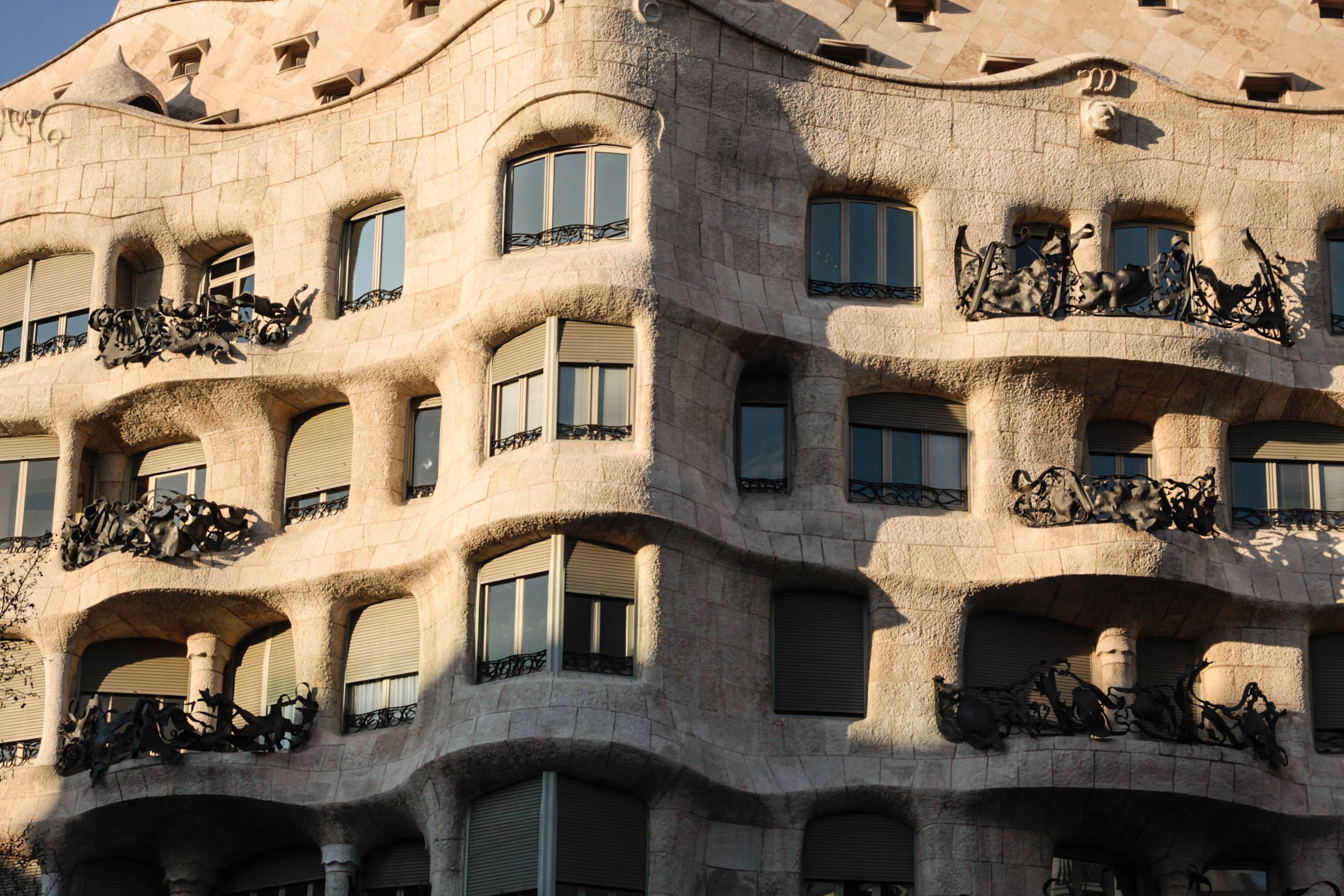 casa_mila_barcelona_smell_of_jasmine
